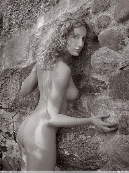 Агнета -ретро красота стройной девушки