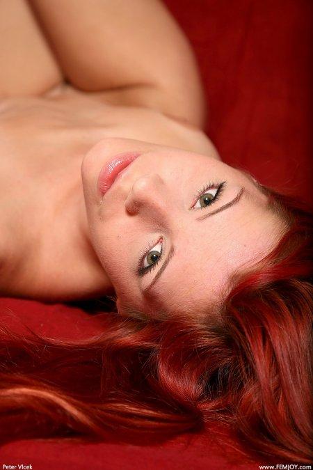 Ариэль «Красная роза», рыжая девчонка фото