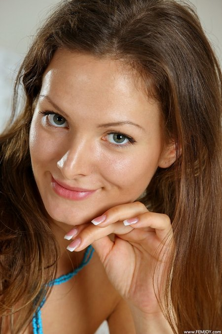 Фемджой, модель Джоанна Ди «Играющая С огнем»